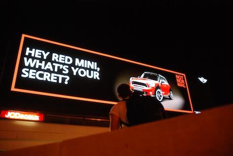 Digital outdoor ads 'recognise' Mini drivers