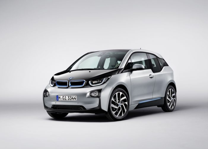 BMW app delivers virtual test drive to promote its first electric car BMW i3
