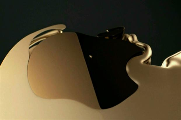 Liquid metal grooves to Goldfrapp in ad for Apple's iPhone 5S