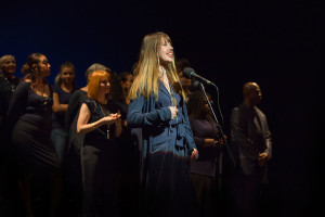 Claire-singing-at-the-Apollo