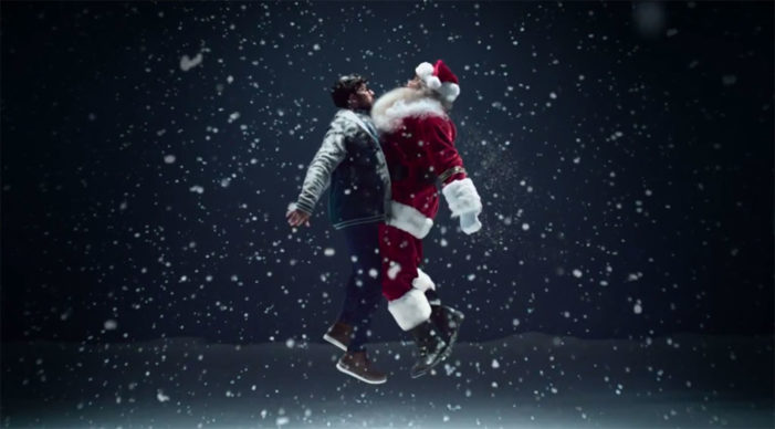 Simon Bird Gives Santa a #MerryChestBump for the Post Office This Christmas