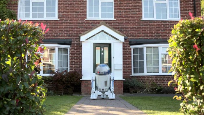 R2D2 Gets Romantic as BBDO NY Reveals Star Wars Tie-In Campaign for HP