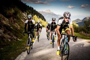 02_BOARDMAN-BIKES-Group-of-cyclists-RGB