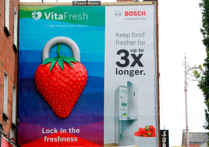Bosch unlocks vibrant 3D OOH campaign for Vitafresh fridge freezer range