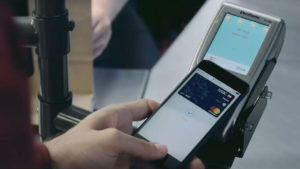 HSBC uses a sleepwalker to advertise Apple Pay in Dubai – Marketing