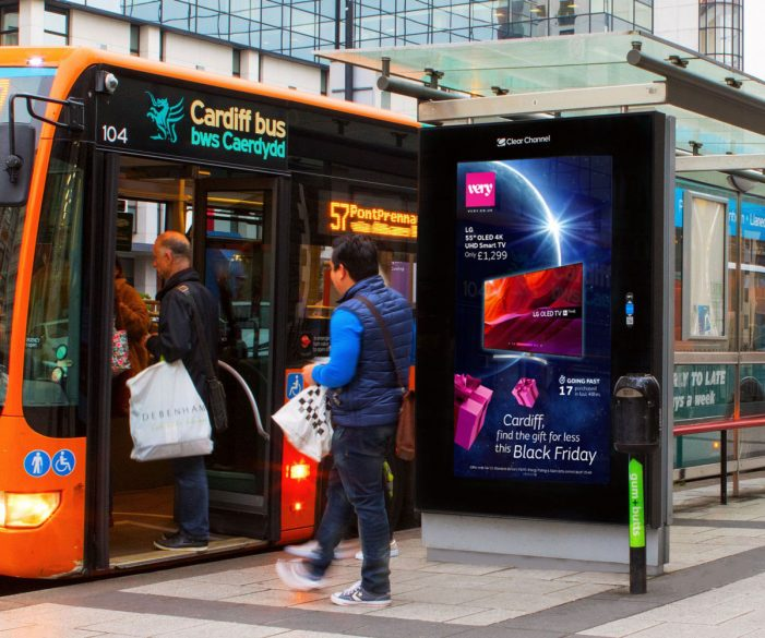 Shop Direct introduces real-time dynamic sales messaging to OOH for Very's Black Friday campaign
