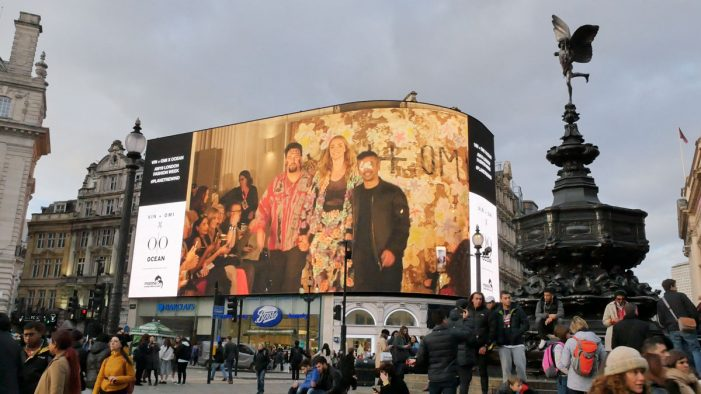 Model Jodie Kidd opens spectacular VIN + OMI London Fashion Week show on iconic Piccadilly Lights