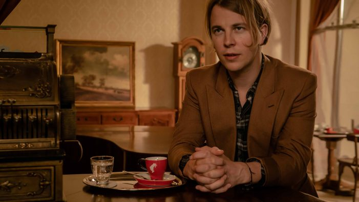 Tom Odell and Julius Meinl Invite You to Take a Moment to Re-Connect with Yourself as Part of Poetry Initiative