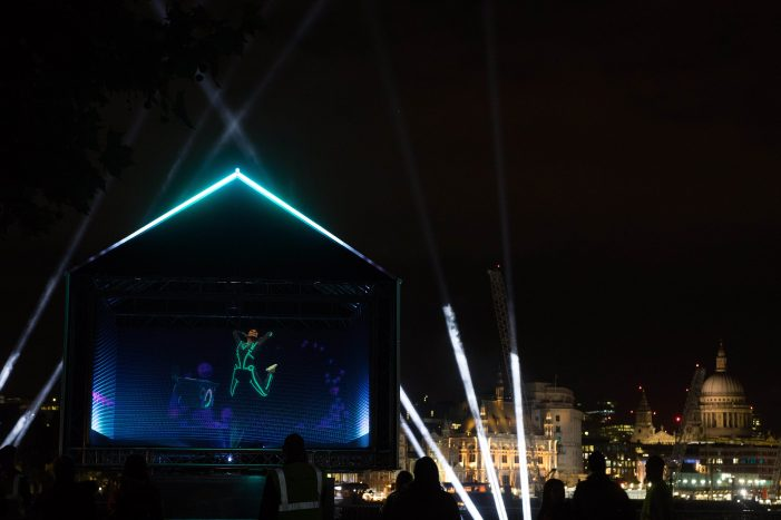 Three unveils world's first holographic ad on the South Bank